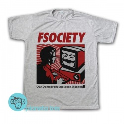 Remera Mr Robot FScociety Our Democracy Has Been Hacked - Remeras de Series
